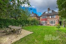 5 bedroom property to rent in Middleway...