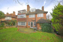 5 bedroom home in Wildwood Road...