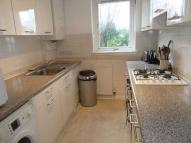2 bed Flat to rent in Glenlockhart Road...