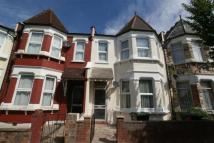 4 bedroom property in Lyndhurst Road, London