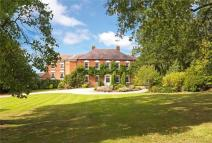 6 bed home for sale in Loynton, Stafford...