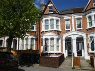 Flat in Holmesdale Road, London...