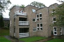 Flat to rent in Lister Gardens...