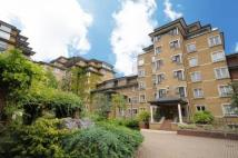 3 bedroom Flat to rent in Admiral Walk ...