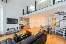 2 bedroom property in Wadham Gardens, London...