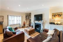 2 bed Flat to rent in Loudoun Road...