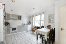 Terraced home to rent in RAYNHAM ROAD, London, W6