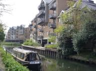 2 bed Apartment in Riverside Wharf...