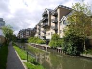 2 bedroom Apartment in Riverside Wharf...
