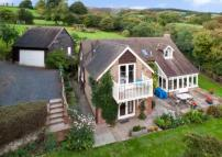 4 bedroom Detached house for sale in Stoke St. Milborough...