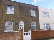 2 bedroom Cottage in Ealing Road, Brentford...