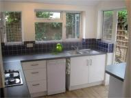 Flat to rent in Balfour Road...