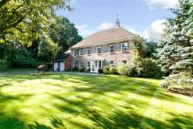 Detached house in Woodpecker Close, Ewshot...