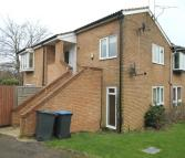 2 bed Flat to rent in Stuart Way...
