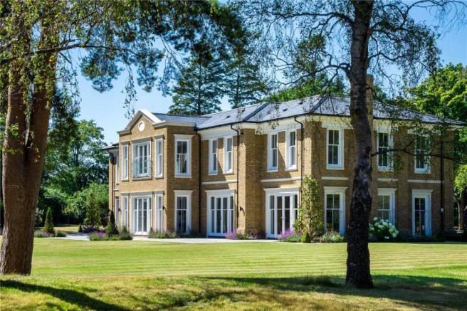 7 bedroom detached house for sale in spats lane headley