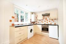 Flat to rent in Leighton Road...