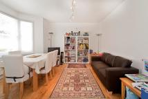 2 bed Flat in Corinne Road...