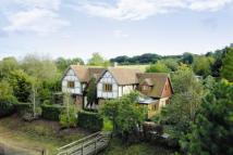Detached house in Chequer Hill, Flamstead...