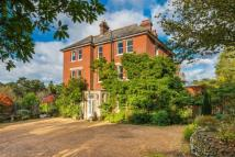 7 bed semi detached house in Hill Brow, Liss...