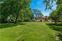 5 bed Detached house for sale in Mill Lane, Chiddingfold...