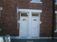 Flat to rent in Russell Street, Jarrow...
