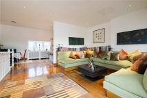 3 bedroom Flat for sale in Kensington Court...