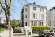 4 bedroom End of Terrace property in Tor Gardens, Kensington...