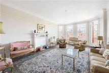 5 bed Flat in Oakwood Court...