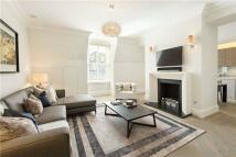 3 bedroom Flat for sale in Kensington Court...