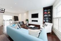 3 bed property in Hillgate Place, London...