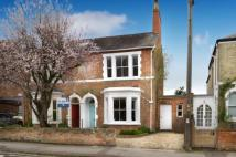 4 bedroom semi detached house in Kingston Road, Oxford...