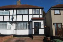3 bed semi detached house to rent in Ridgeway West, Sidcup...