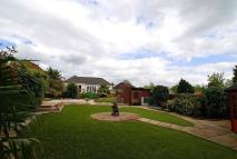 Detached Bungalow in Barn Hill, Roydon, CM19