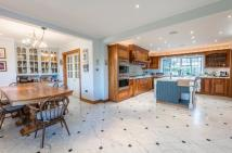 7 bed Detached property for sale in Yewlands, Hoddesdon...