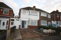 3 bedroom semi detached home to rent in Upper Meadow Road...