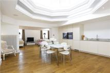 Flat for sale in Roehampton Lane, London...