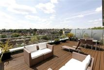 2 bed Flat for sale in Point Pleasant, London...