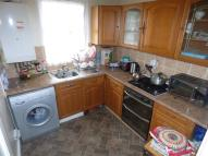 Flat to rent in Green Lane, Ilford...