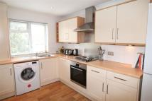2 bedroom Flat in Eden Grove Road, Byfleet...