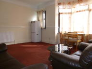 Flat to rent in Colenso Road, Ilford, IG2