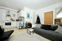 2 bedroom Flat in Laystall Street...