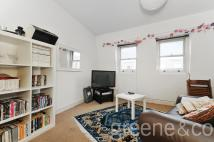Flat to rent in Hackney Road, Hackney, E2