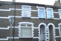 Henry Street Terraced property to rent