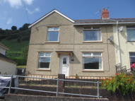 3 bedroom semi detached house in Hillside Terrace, Deri...