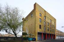 Flat for sale in Bermondsey Wall East...