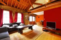 1 bed Flat to rent in Queen Elizabeth Street...