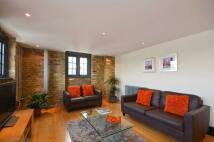 Flat in Bermondsey Wall West...