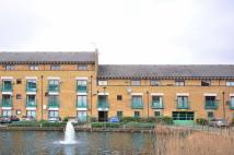 2 bed Flat to rent in Plover Way, Camelsdale...