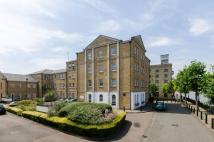 1 bed Flat to rent in Frederick Square...