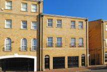 2 bed house in Rotherhithe Street...